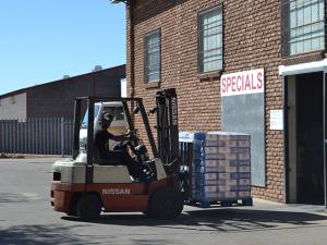 Business | Wholesalers,Distributors & Suppliers | H & W Distributors